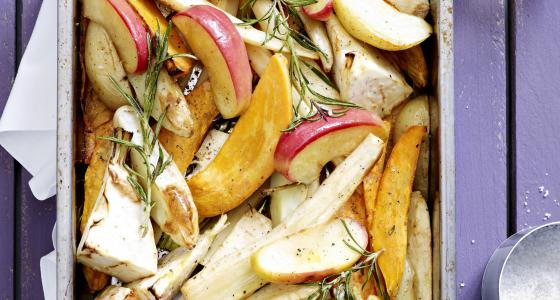 Geroosterde appel met knolselder, pastinaak en pompoen
