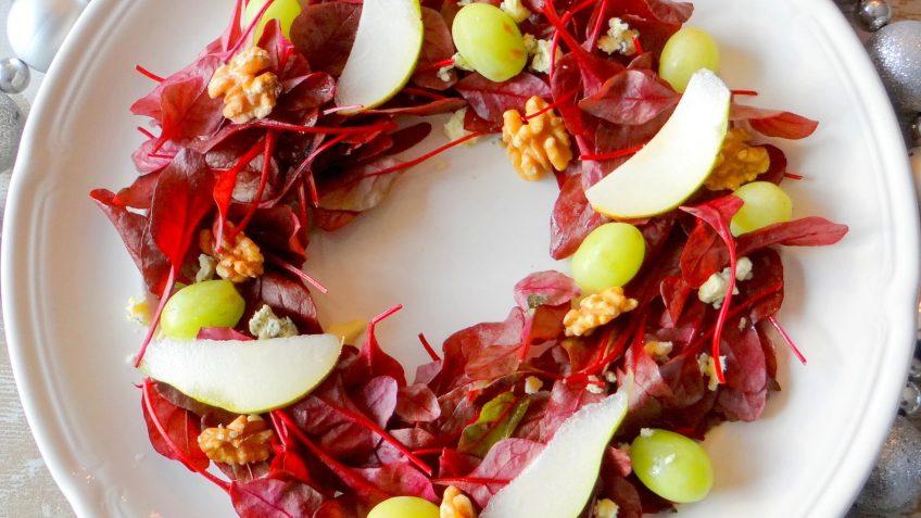 Kerstkrans salade van rode sla