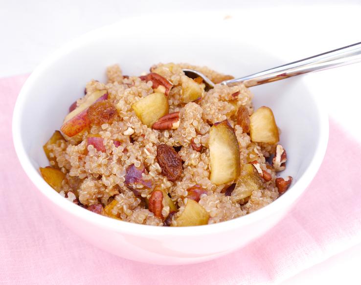 Quinoa ontbijt met pruim
