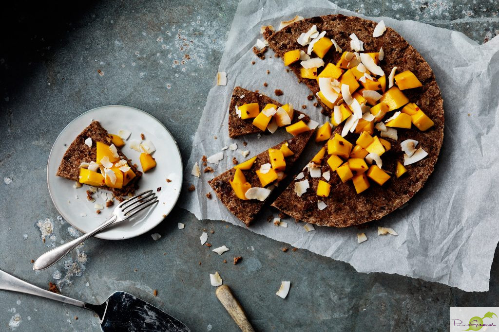 Rawfood Brownie met Mango & kokosvlokken