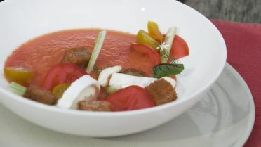 Gazpacho van watermeloen met geitenkaas