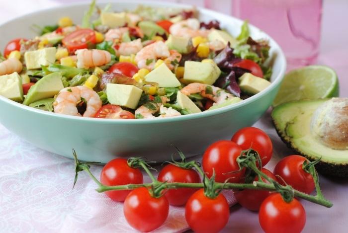 Avocado salade met chili/citroen garnalen