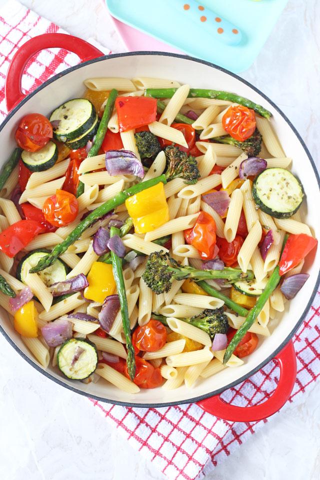 Pastasalade met geroosterde groenten
