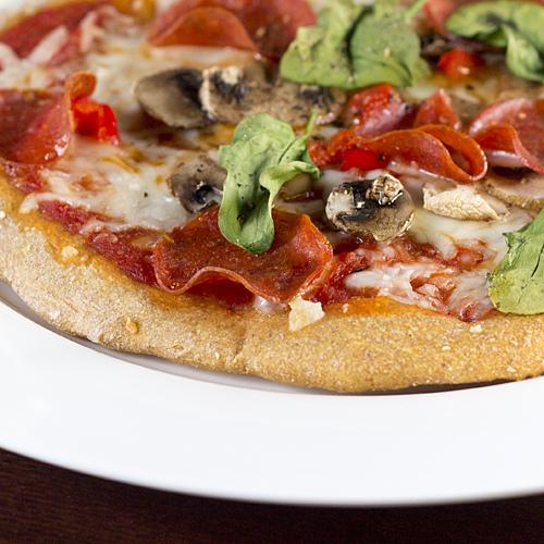 Heerlijke pizza met pompoenbodem