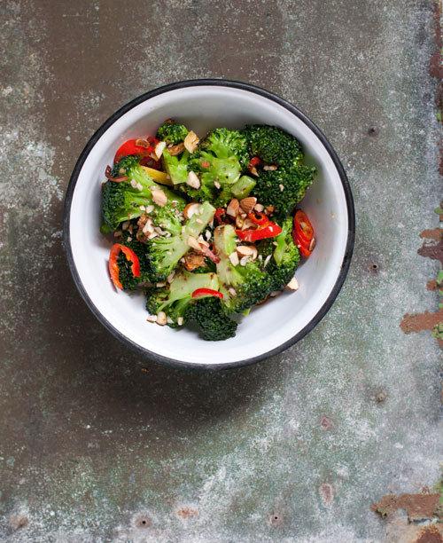 Geroosterde broccoli met chilipeper en look