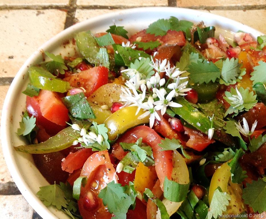 Tomatensalade met sumak en granaatappelpitjes