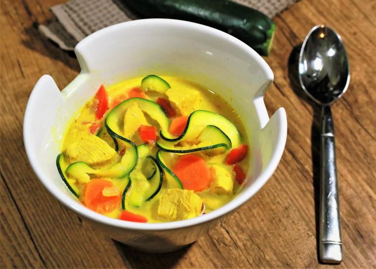 Gezonde Kip Curry Zoodle Soep