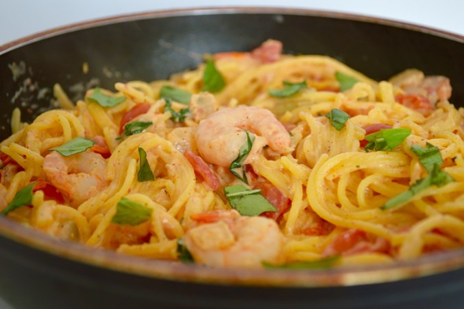 Glutenvrije spaghetti met chili en knoflook garnalen