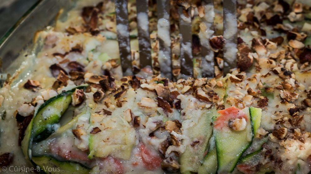 Lasagne van witloof en courgette met gerookte wilde zalm en een crumble van hazelnoot