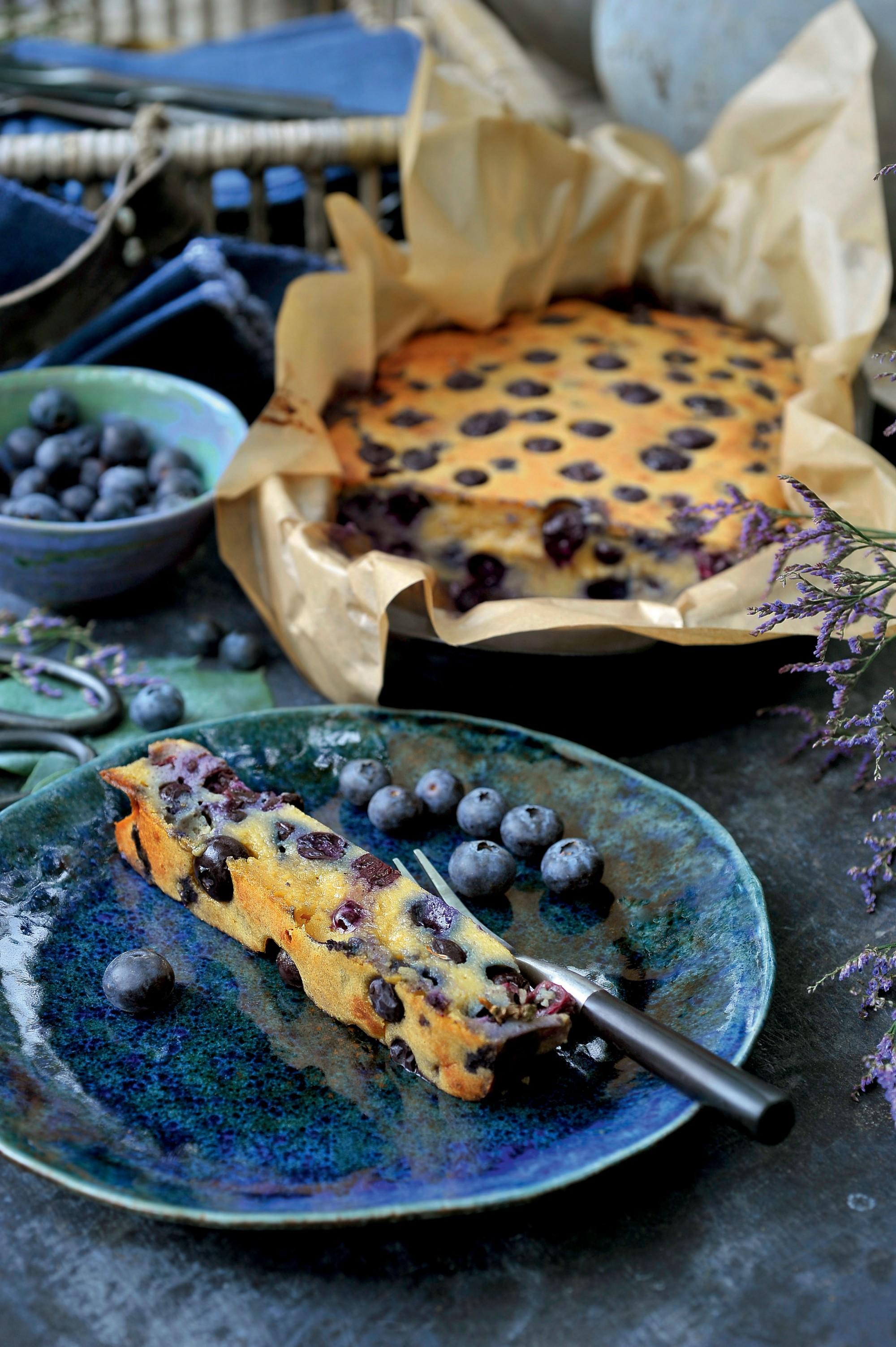 Smeuïge cake van blauwe bessen