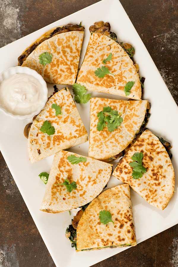 Quesadillas met spinazie , champignons en kaas