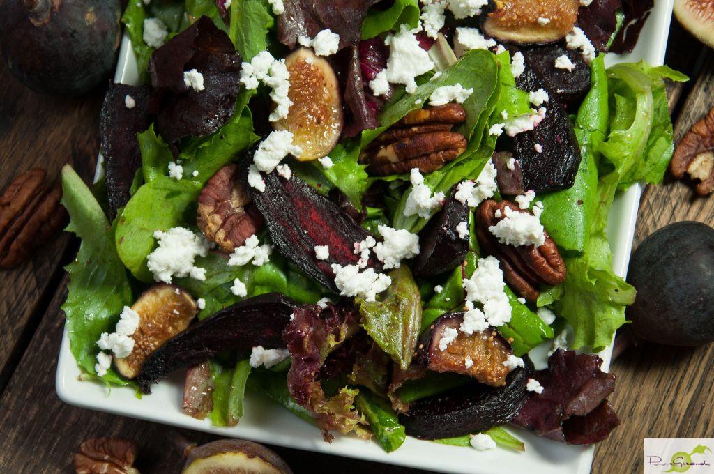 Salade met geroosterde bieten en vijgen