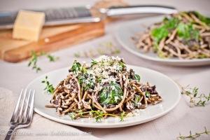 Spaghetti met champignons tijm en limoen