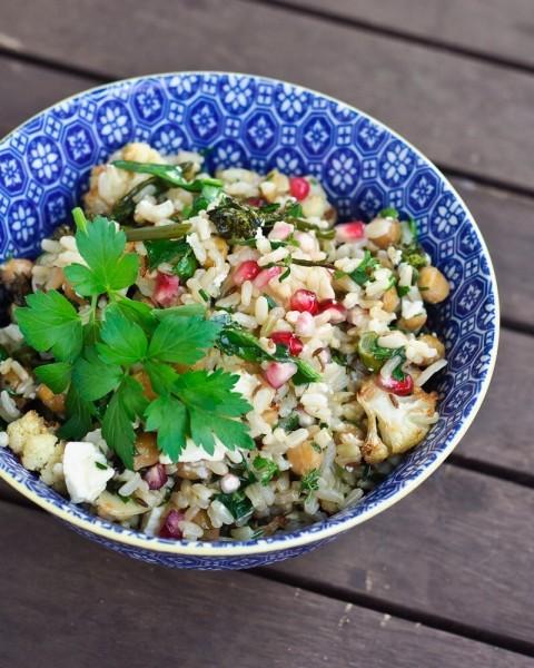 Winterse bruine rijst salade