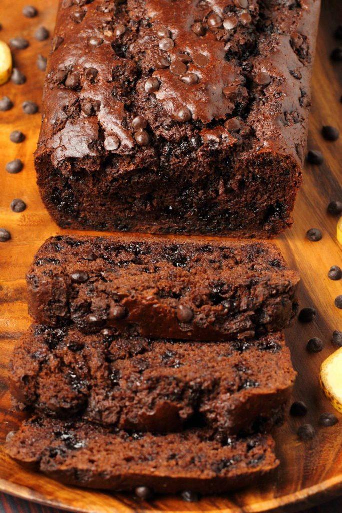 Bananenbrood met cacao en chocoladedruppels
