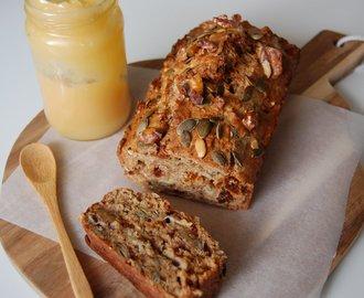 Gezond zadenbrood met vijgen